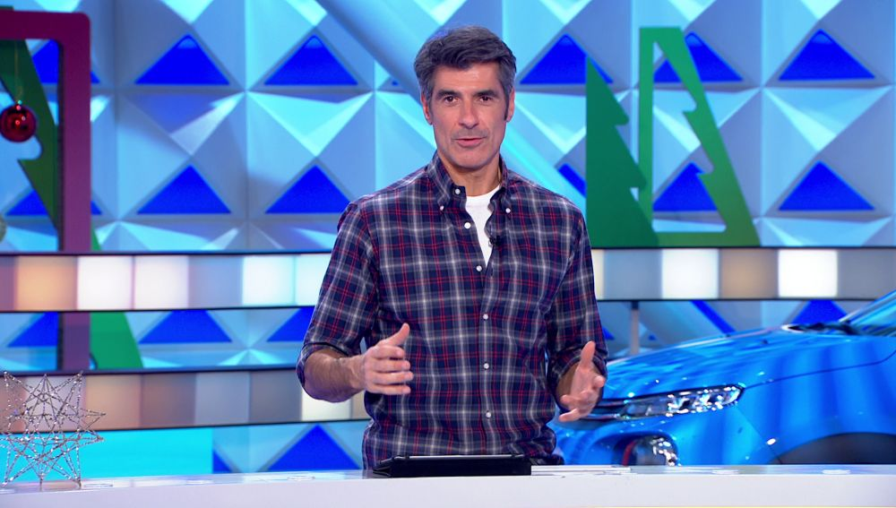 Jorge Fernández amenaza con cobrar las consonantes a una concursante