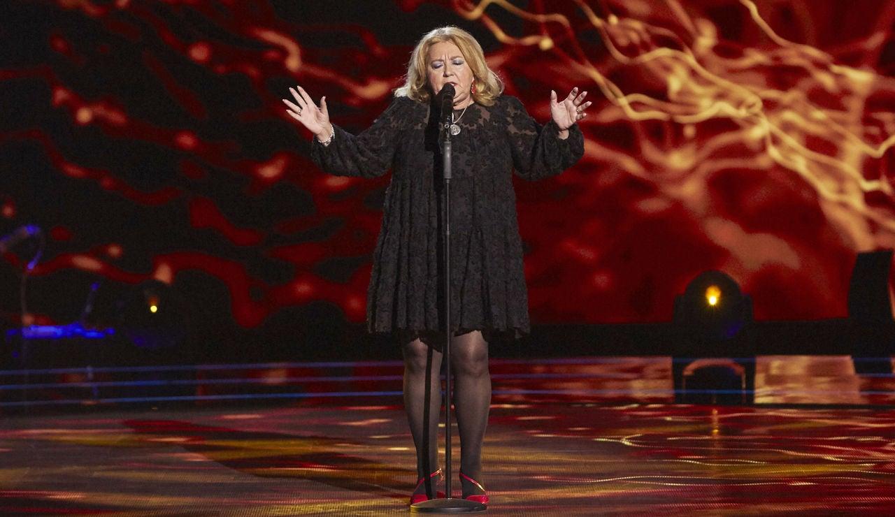 Juani Álvarez canta 'Sombras nada más' en las Audiciones a ciegas de 'La Voz Senior'