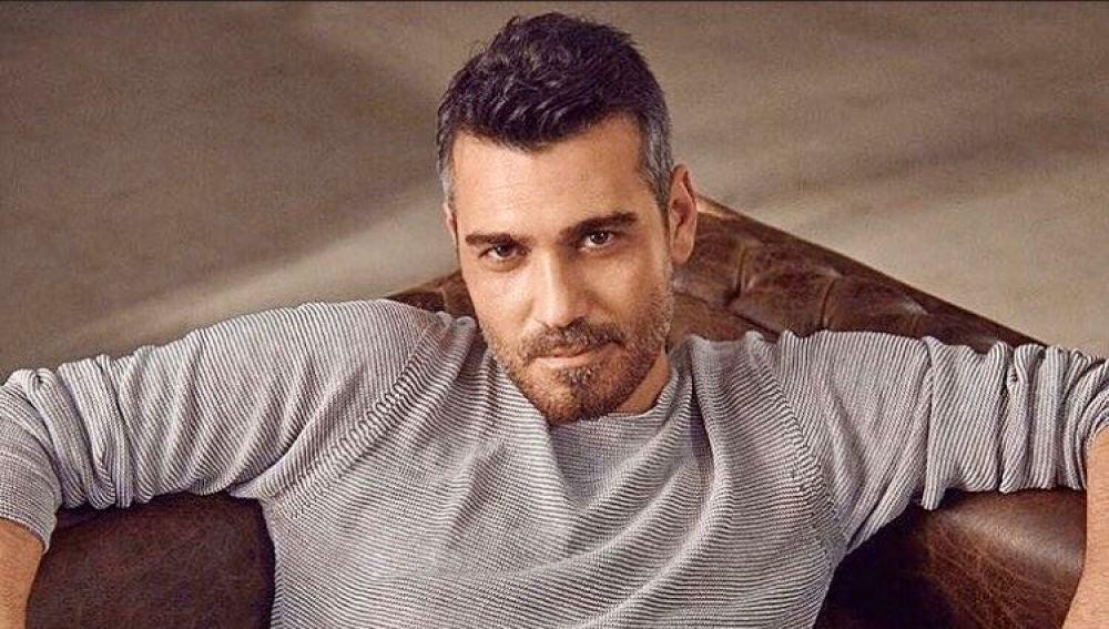 Le llaman el George Clooney turco: las imágenes más seductoras de Caner Cindoruk, Sarp en 'Mujer'