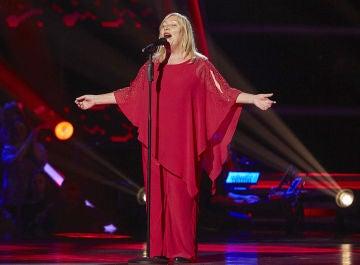 Toni Fuentes canta 'La vie en rose' en las Audiciones a ciegas de 'La Voz Senior'