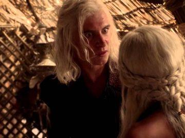 Viserys y Daenerys en 'Juego de Tronos'