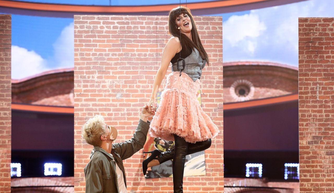 Rocío Madrid vuela muy alto para asegurar que 'Todo irá bien' como Chenoa