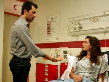 """La sorprendente y conmovedora pedida de mano de Arif a Bahar: """"Si tú me dejas, me gustaría quereros toda la vida"""""""