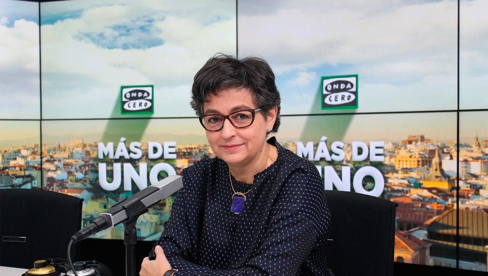 Arancha González Laya en el estudio de Onda Cero en Madrid