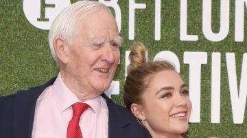 John le Carré junto a Florence Pugh en 2018