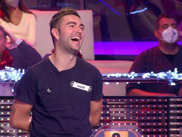 Inaudito para Arturo Valls: un concursante consigue un momento nunca antes visto en '¡Ahora caigo!'