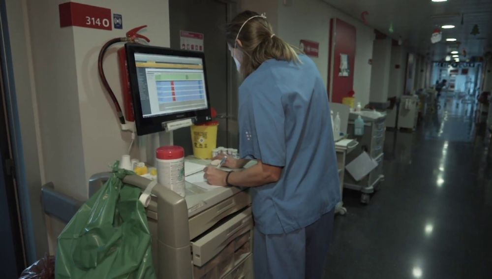 Crece la presión hospitalaria en España por la pandemia del coronavirus