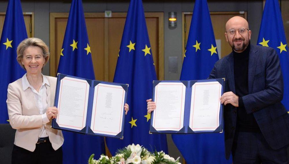 La Unión Europea firma el acuerdo comercial sobre su futura relación con el Reino Unido tras el 'Brexit'