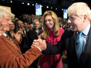 """El padre de Boris Johnson solicita la ciudadanía francesa tras el Brexit: """"Siempre seré europeo"""""""