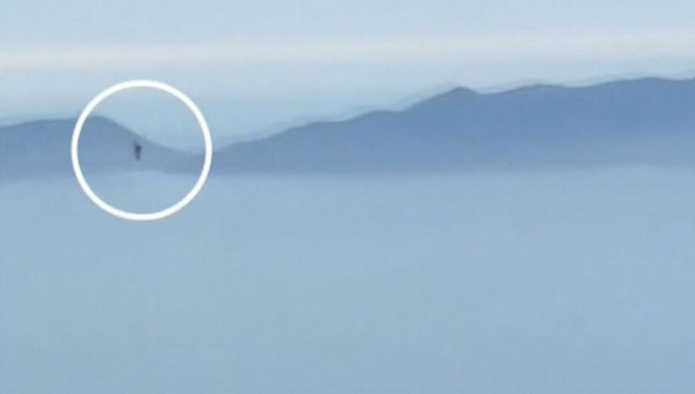"""El susto de la piloto Brandy Fogelman en pleno vuelo en California: """"Estaba alucinando... ¡es imposible!"""""""