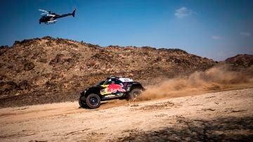 Carlos Sainz gana la primera etapa del Dakar