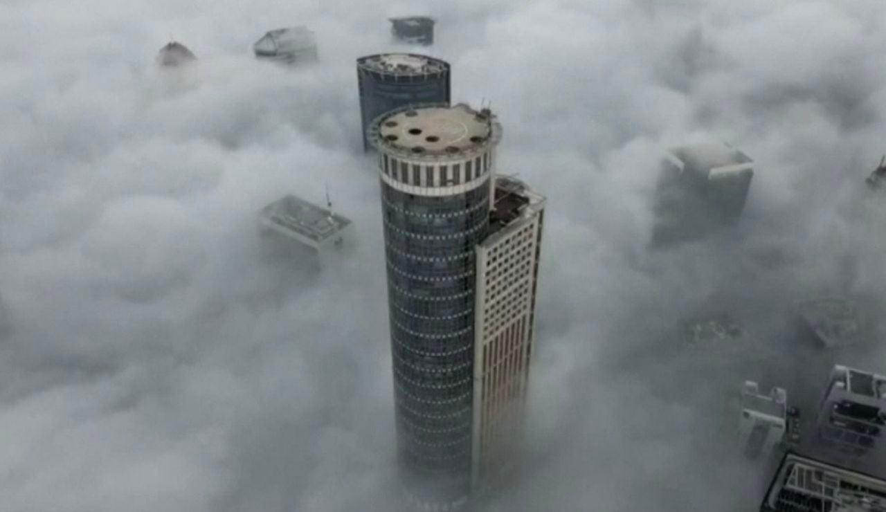 Banco de nubes en Tel Aviv