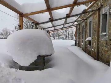 Maraña, el pueblo leonés sepultado por metro y medio de nieve