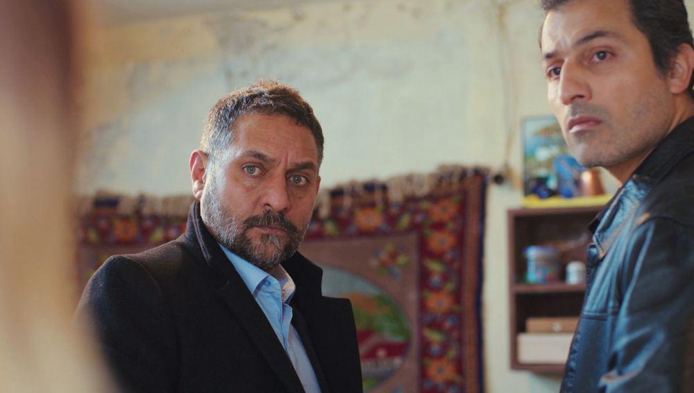 """Necesito alquilar un piso"": Azmi se acerca peligrosamente a la casa de Bahar"