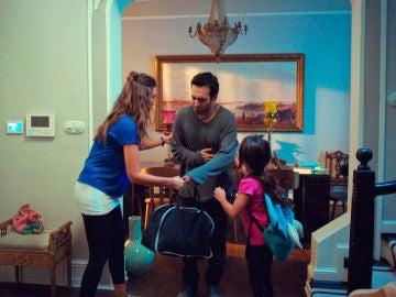 Öykü, Demir y su avaricia, se instalan en casa de Candan
