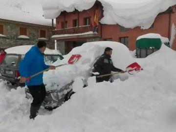 La nevada del siglo llega a Castilla y León y así lo viven en Maraña
