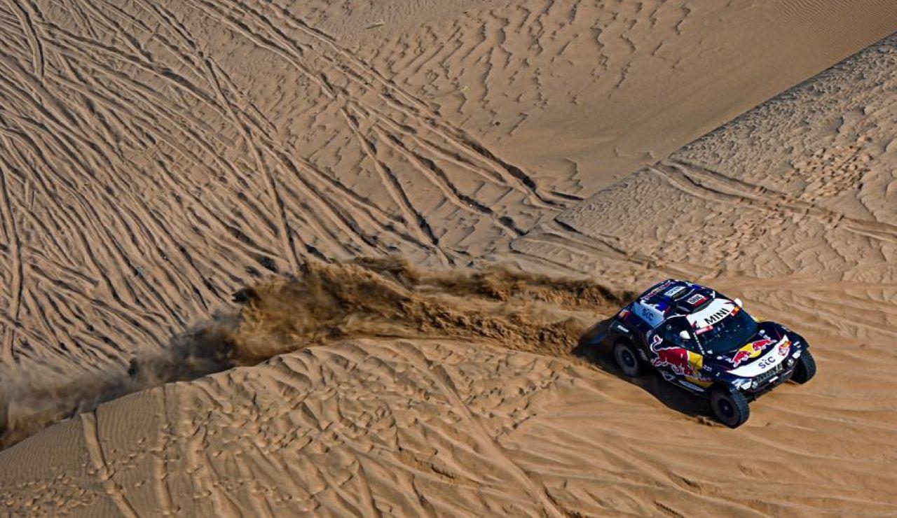 Carlos Sainz se hunde en la tercera etapa del Rally Dakar y Joan Barreda pierde el liderato en motos
