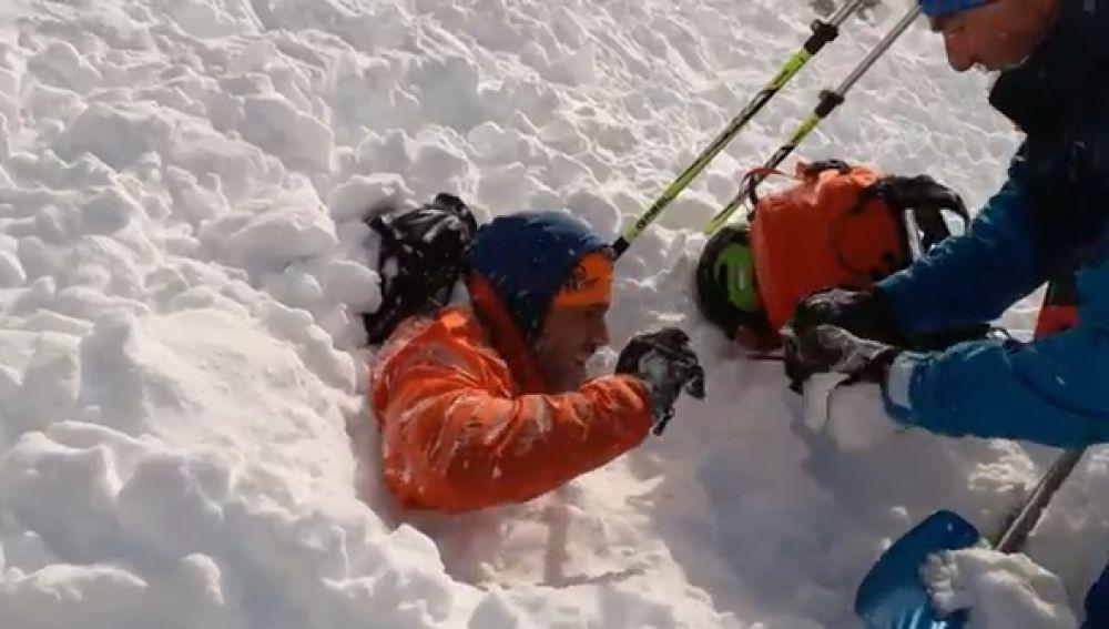 alud de nieve en la montaña de Huesca