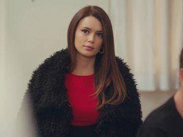 Avance de 'Mujer': Sirin regresa a casa sin sospechar los verdaderos motivos de Enver y Hatice