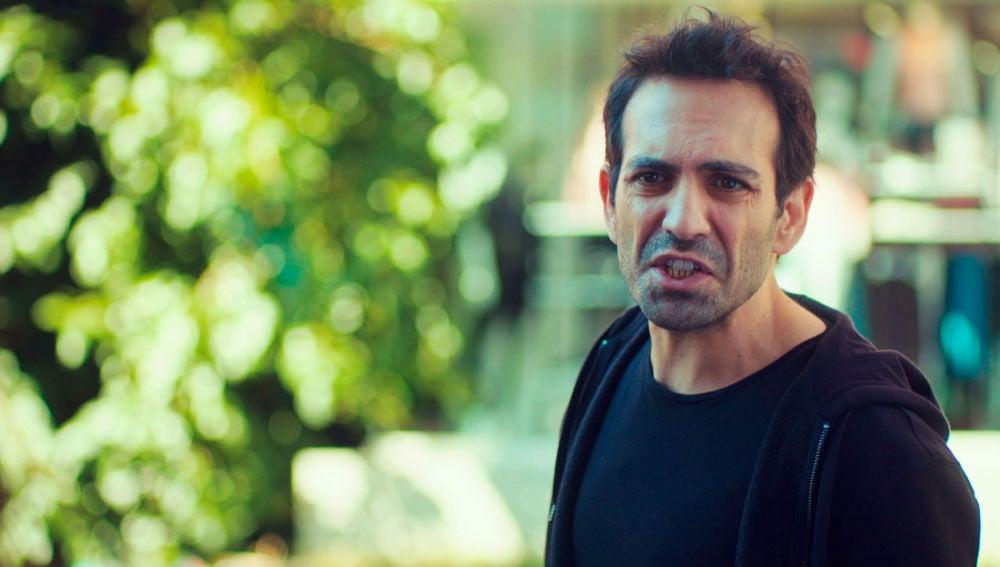 """Demir, a Öykü: """"Me voy a volver loco si no desapareces de mi vida"""""""