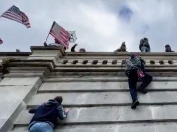 Asalto al Congreso de los Estados Unidos: 'Trumpistas asaltan el Capitolio de Estados Unidos