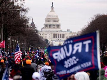 Asalto al Congreso de EEUU: Seguidores de Donald Trump asaltan el Capitolio y paralizan la sesión que certificaba a Joe Biden como presidente