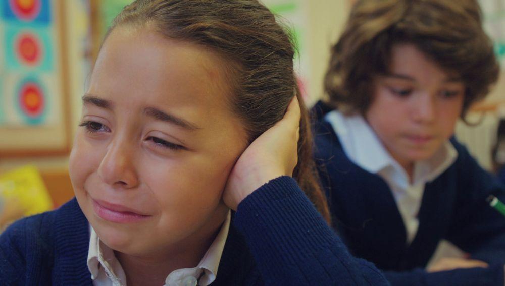 Öykü, aterrada al sentir los primeros síntomas de su grave enfermedad