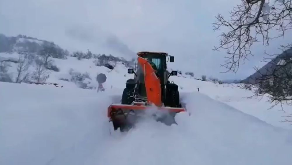 La previsión del tiempo hoy: todas las comunidades autónomas, salvo Canarias, en alerta por frío o nieve