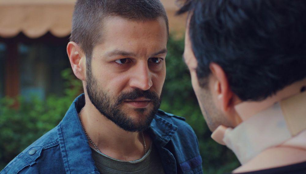 Cemal acecha a Candan y Öykü ante el temor de Demir