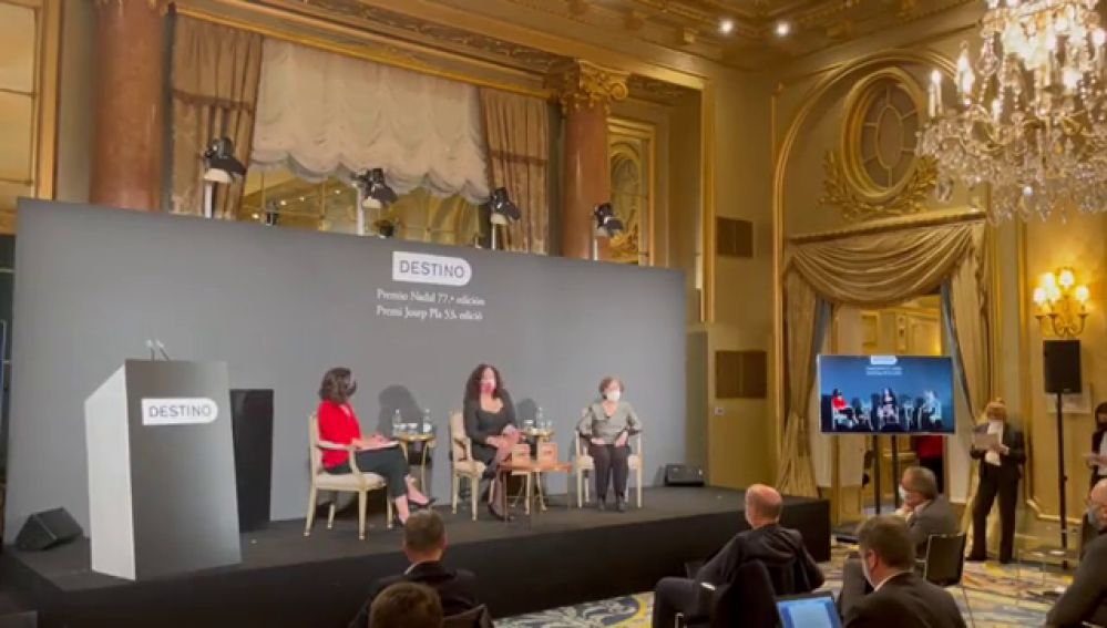 Najat el Hachmi gana el Premio Nadal con su novela 'El lunes nos querrán'
