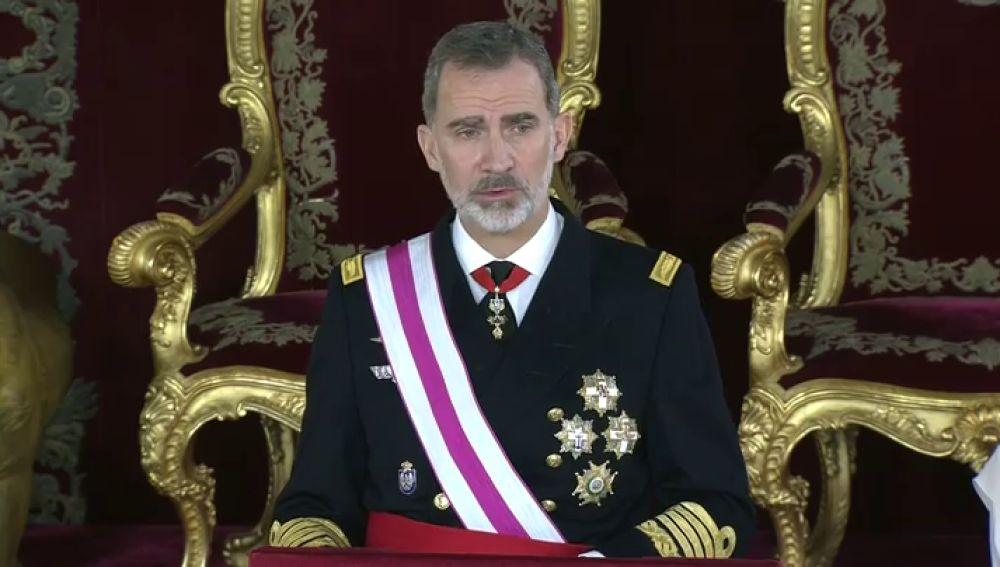 """Felipe VI pide unidad y ensalza la Constitución en la Pascua Militar: """"Es el camino libre y democráticamente decidido por el pueblo español"""""""
