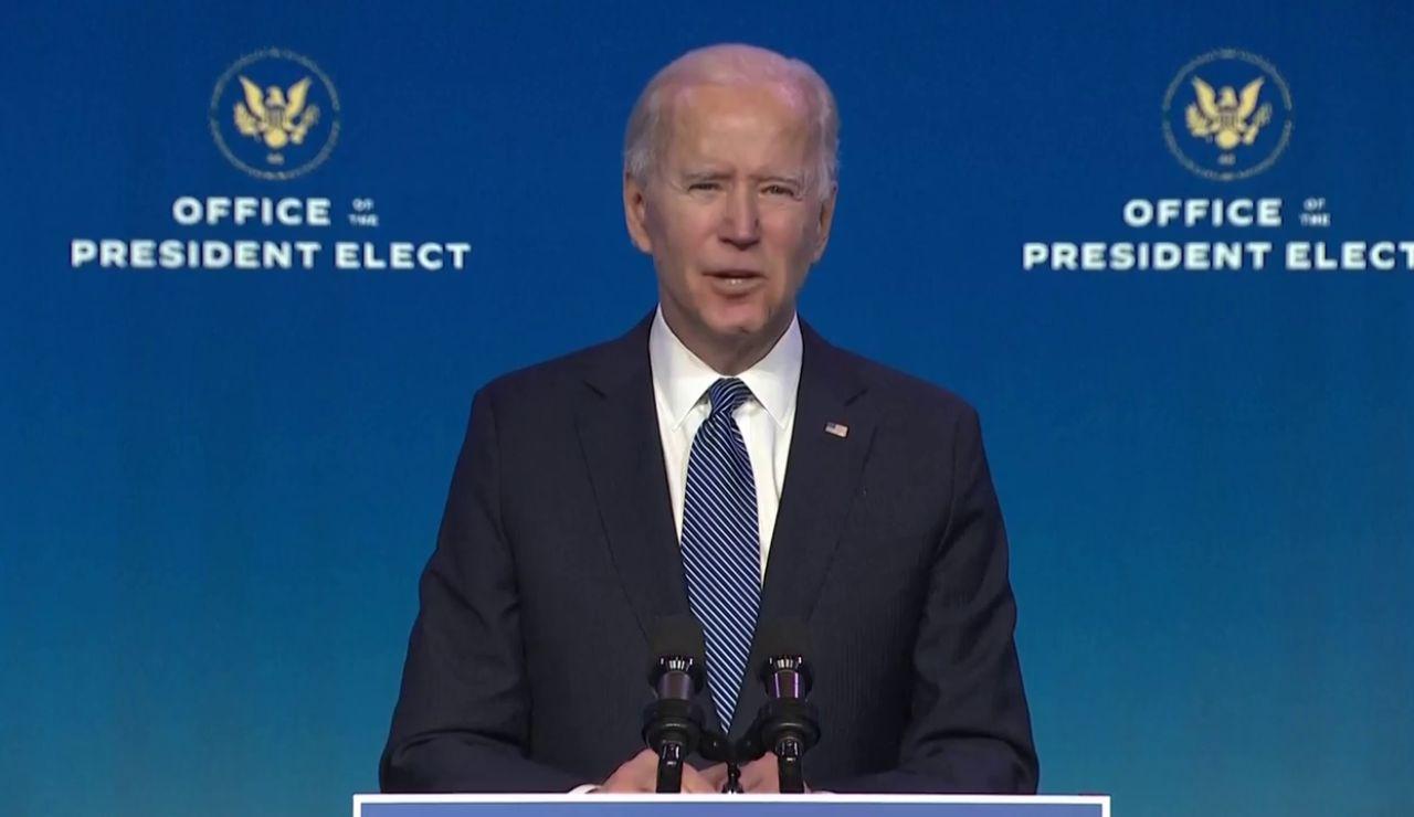 """Joe Biden acusa a Donald Trump de fomentar la violencia y  llama """"terroristas domésticos"""" a los asaltantes del Capitolio"""