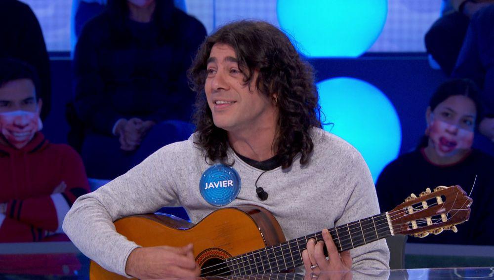 Javier Cantero canta con el corazón la rumbita 'El fantasma de los recuerdos'