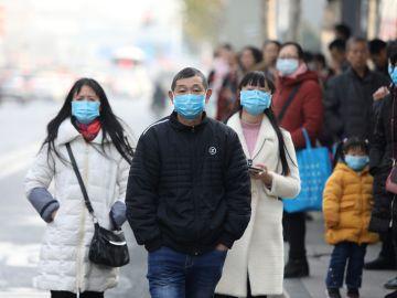 En China se produjeron miles de contagios asintomaticos tras controlar el virus en marzo