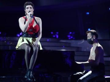Rocío Madrid emociona al ritmo de 'Me cuesta tanto olvidarte' de Mecano en la Gran Final
