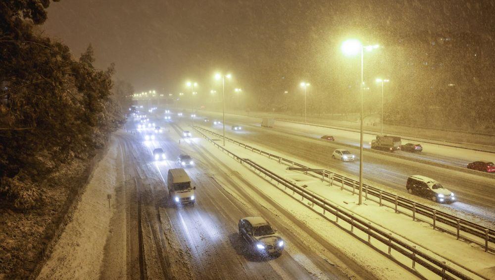 Nieve en Madrid, carreteras cortadas y estado del tráfico por el temporal filomena en España