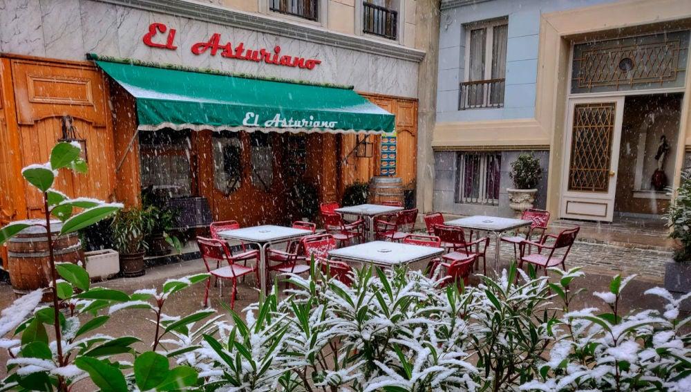 La Plaza de los Frutos cubierta de nieve