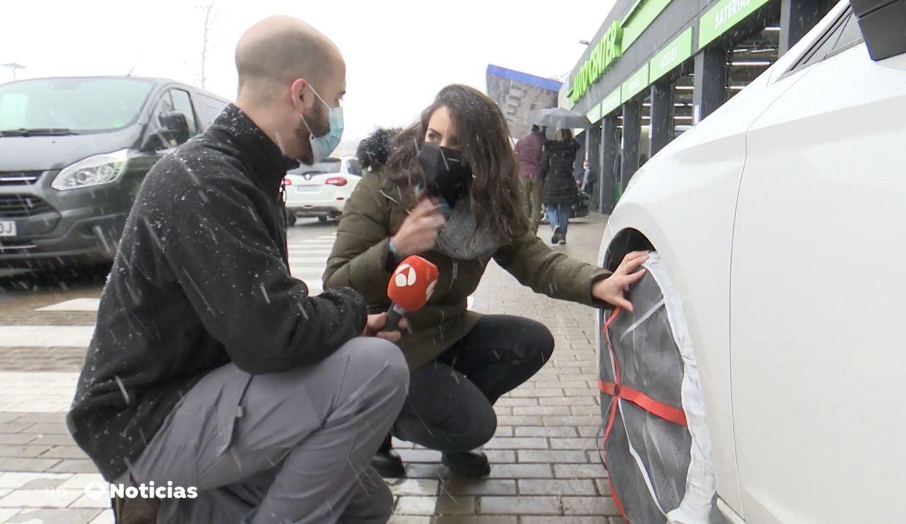 ¿Cómo deben ponerse las cadenas de nieve en el coche?