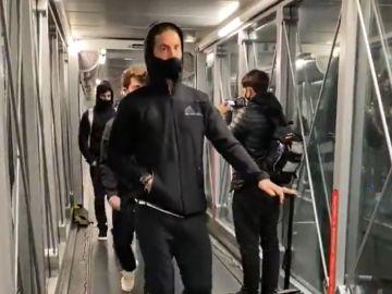 El Real Madrid, casi 2 horas atrapado en el avión sin poder despegar hacia Pamplona