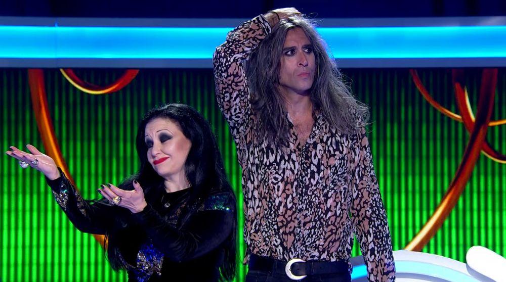 Un error de Alaska y Mario convierte en ganadoras a Gisela y Rosa López