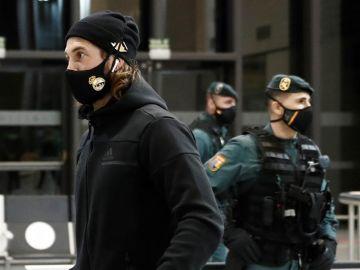 Enfado e incredulidad del Real Madrid tras su odisea para viajar a Pamplona en pleno temporal de Filomena