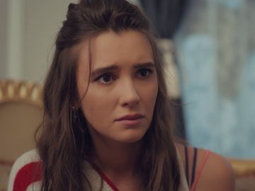 """Candan pide ayuda desesperada a Murat: """"Quiero adoptar a Öykü"""""""