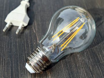 La OCU estima que la tarifa eléctrica ahorrará 21 euros anuales, pero penalizará a los de discriminación horaria