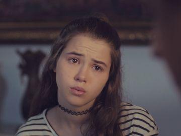 Candan revive con Öykü la relación con su padre