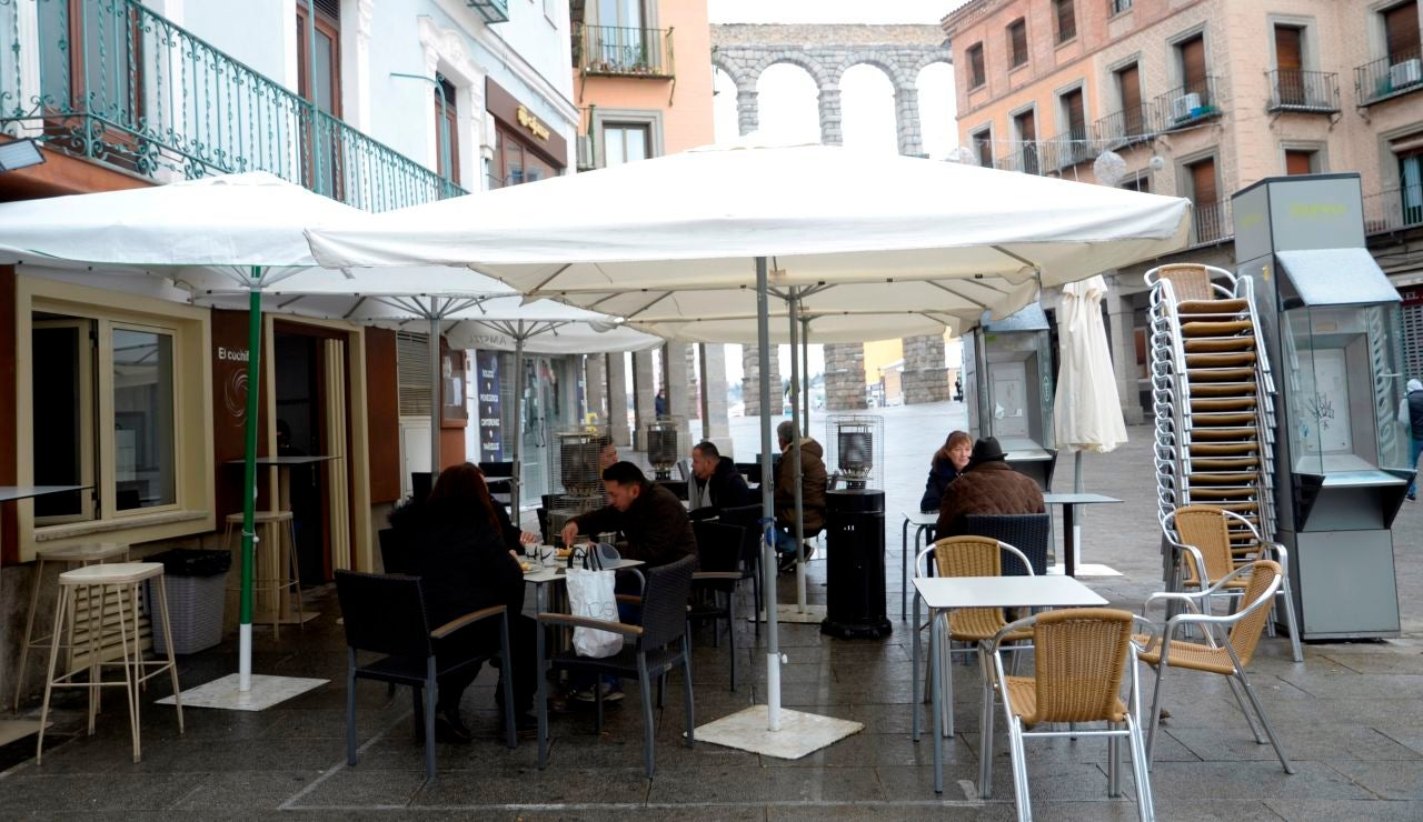 Terraza de un establecimiento de la Plaza Mayor de Segovia