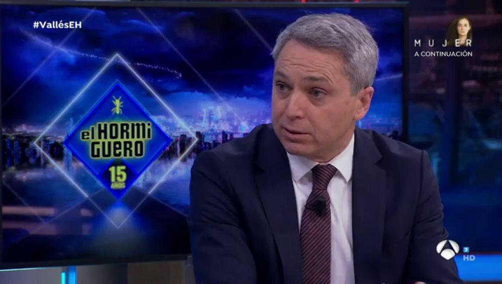 """¿Qué siente Vicente Vallés cuando le llaman """"facha""""? El presentador de Antena 3 Noticias 2 responde en 'El Hormiguero 3.0'"""