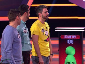 """Óscar, al ver la camiseta de uno de los 'Game boys': """"Me sabe mal eliminarte"""""""