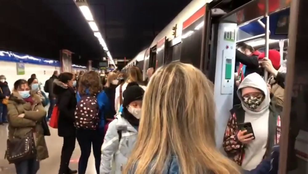 Líneas de metro cortadas por la nieve en Madrid