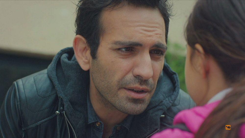 Una duda asalta a Demir: ¿quién es el verdadero padre de Öykü?