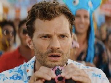 Jamie Dornan en 'Barb and Srar Go to Vista del Mar'